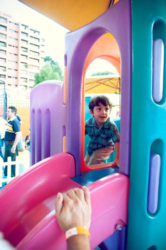 Una tarde en PandisPark de Sarah y su primo Gabriel por Joel Pino Fotógrafo Profesional